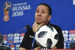 Tunisia Coach Dismisses Criticism for Reading Quran at World Cup Match