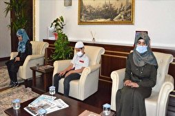 Visually-Impaired Members of Syrian Family Memorize Quran in Turkey